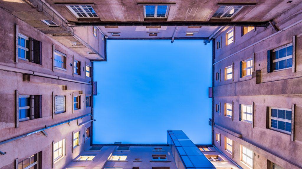 immeubles en carré vue du dessous